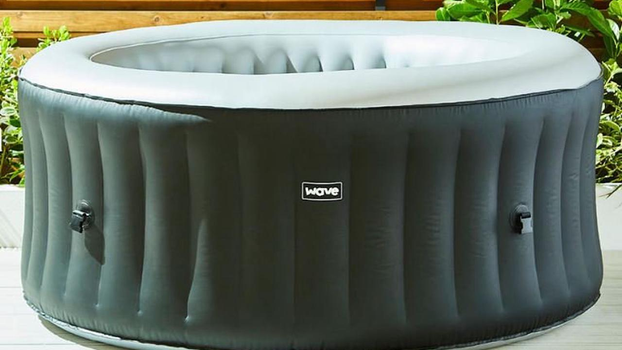 The Food Warehouse is selling a bargain hot tub £75 cheaper than Aldi's