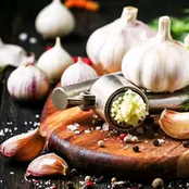 Check What happens When You Eat Garlic On Empty stomach