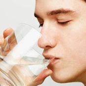 ما الذي يحدثه ماء الرقية في جسم الإنسان؟ وما حقيقة علاجه للسحر والحسد؟