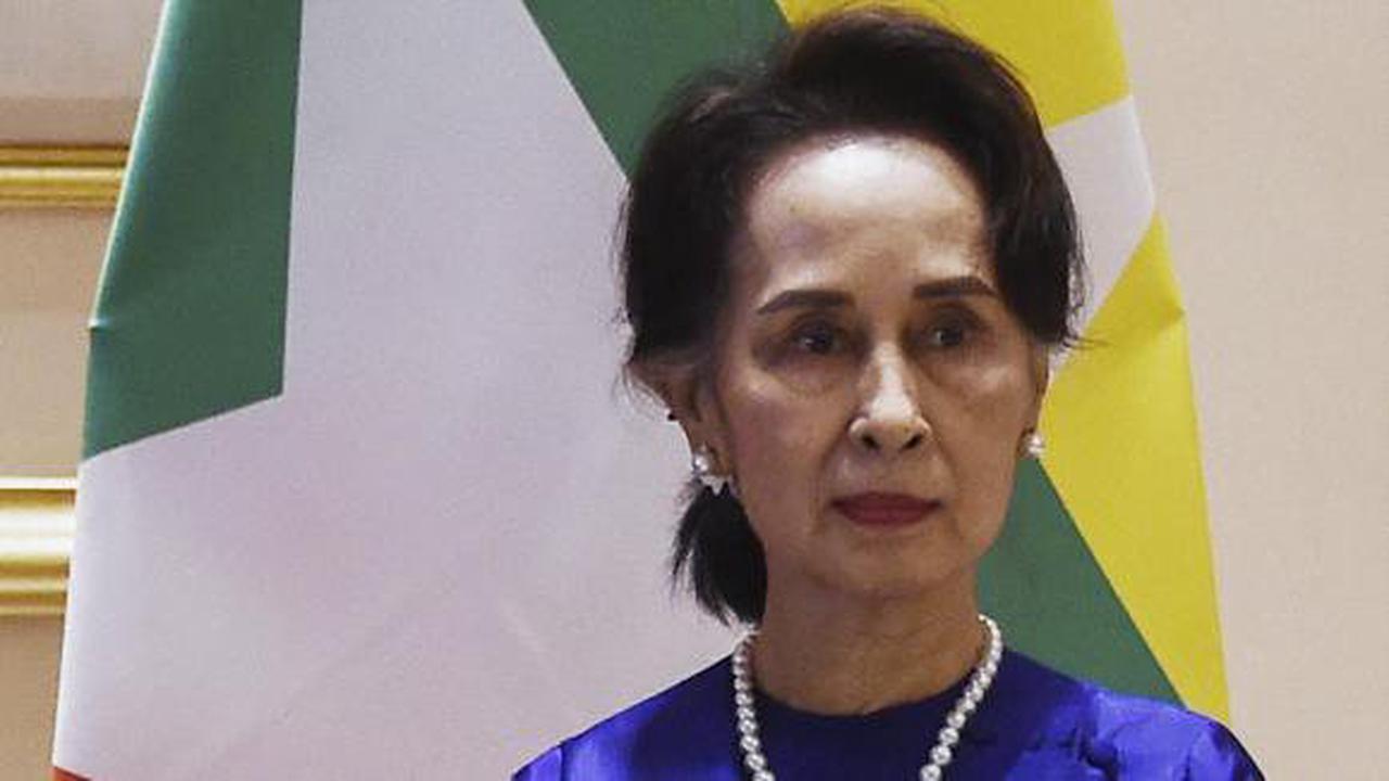Aung San Suu Kyi dans le box des accusés sur fond d'impasse politique en Birmanie