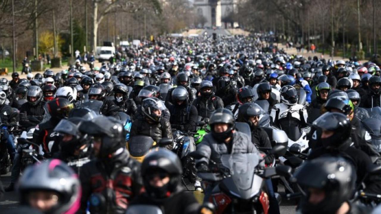 Plusieurs milliers de motards mobilisés pour la circulation interfiles