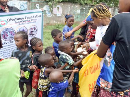 ONENESS Foundation Put Smiles On Faces Of Indigents, Feed Over 200 At Easter