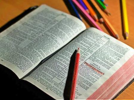 Read These Bible Verses This Easter For God's Blessings & Forgiveness