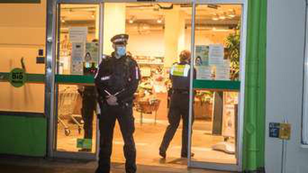 Biomarkt überfallen – Polizeihubschrauber sucht nach dem Täter