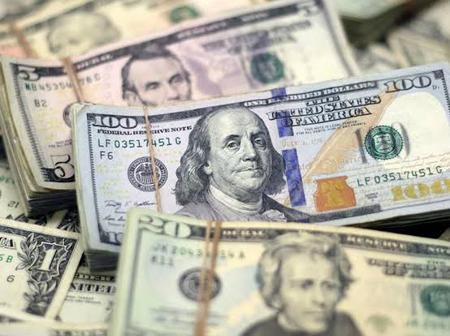 Naira Falls Slightly in the Parallel Market Even as External Reserve Declines