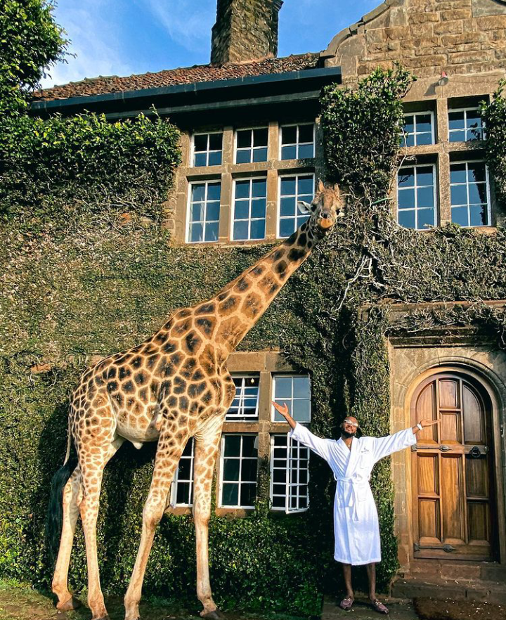 Check Out Lovely Pictures of BBNaija Tolanibaj, Prince And Dorathy Spending Time With Giraffes 20