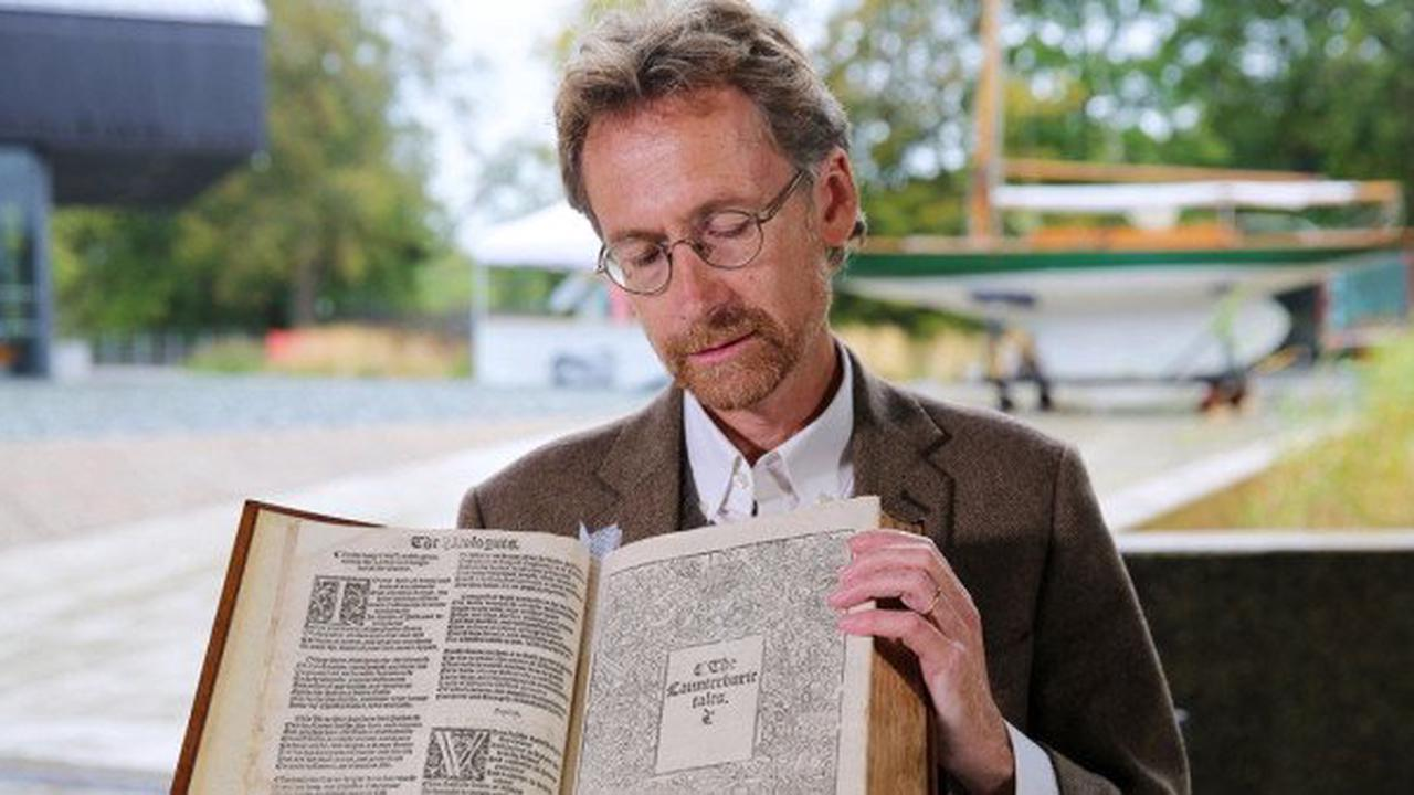 Antiques Roadshow guest gobsmacked over library books worth £30k