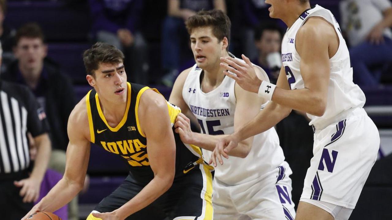Northwestern at Iowa odds, picks and prediction