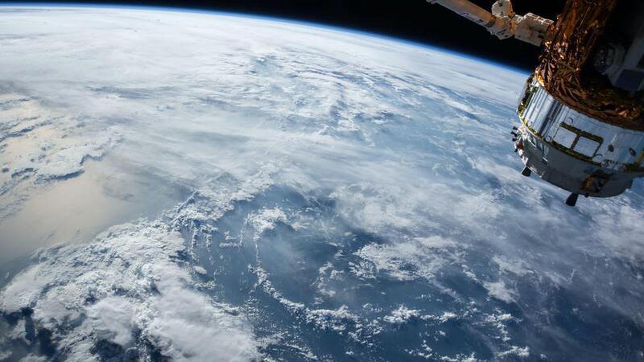 Espace : vers des fusées plus légères en plastique et en fibre de carbone ?
