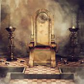 من هو الذي أحضر عرش ملكة سبأ إلى نبي الله سليمان وآتاه الله علم من الكتاب؟