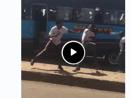 Video: Kenya Mpya Tout Dramatically Exchange Blows With A Passenger On Broad Daylight