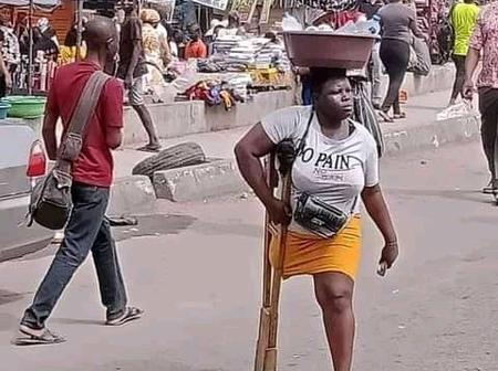 See Pictures Of This Lady Hawking In The Market