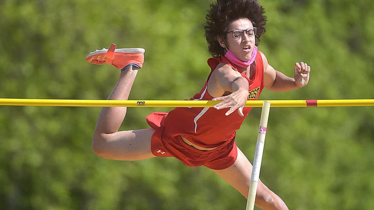 Boys Central Track and Field: Munro's Lions play best hand for team title
