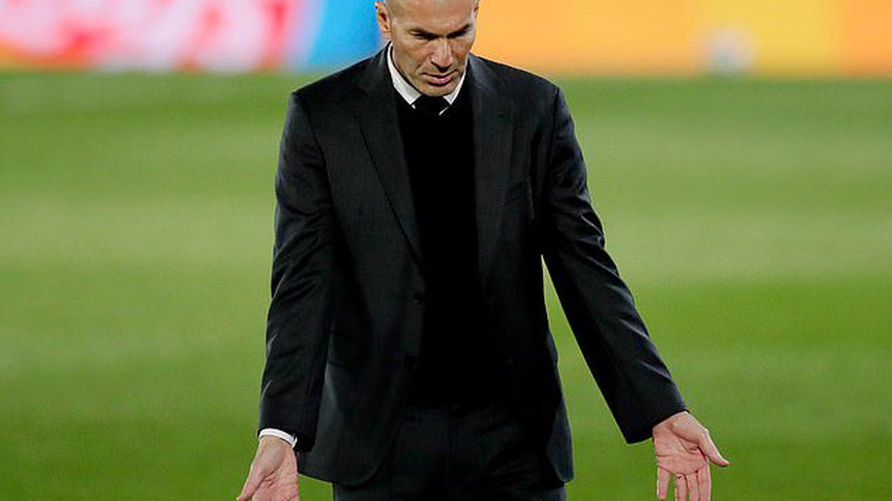 ALVISE CAGNAZZO: Juventus are dreaming of Zinedine Zidane replacing Andrea Pirlo, winning the Champions League and convincing Cristiano Ronaldo to stay... they adored the Frenchman as a player and are ready to love him even more as a boss