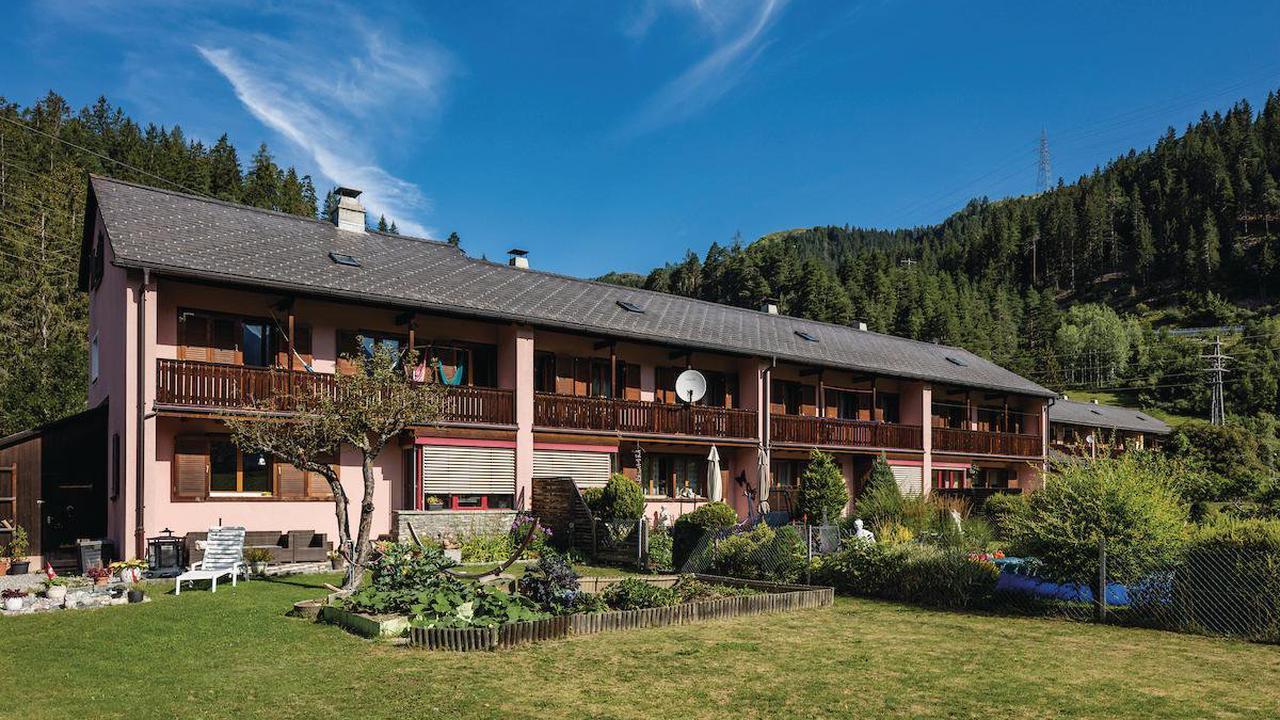 Streit um Stadtzürcher Wohnpolitik – Hauchdünnes Ja zum Verkauf von EWZ-Häusern in Graubünden