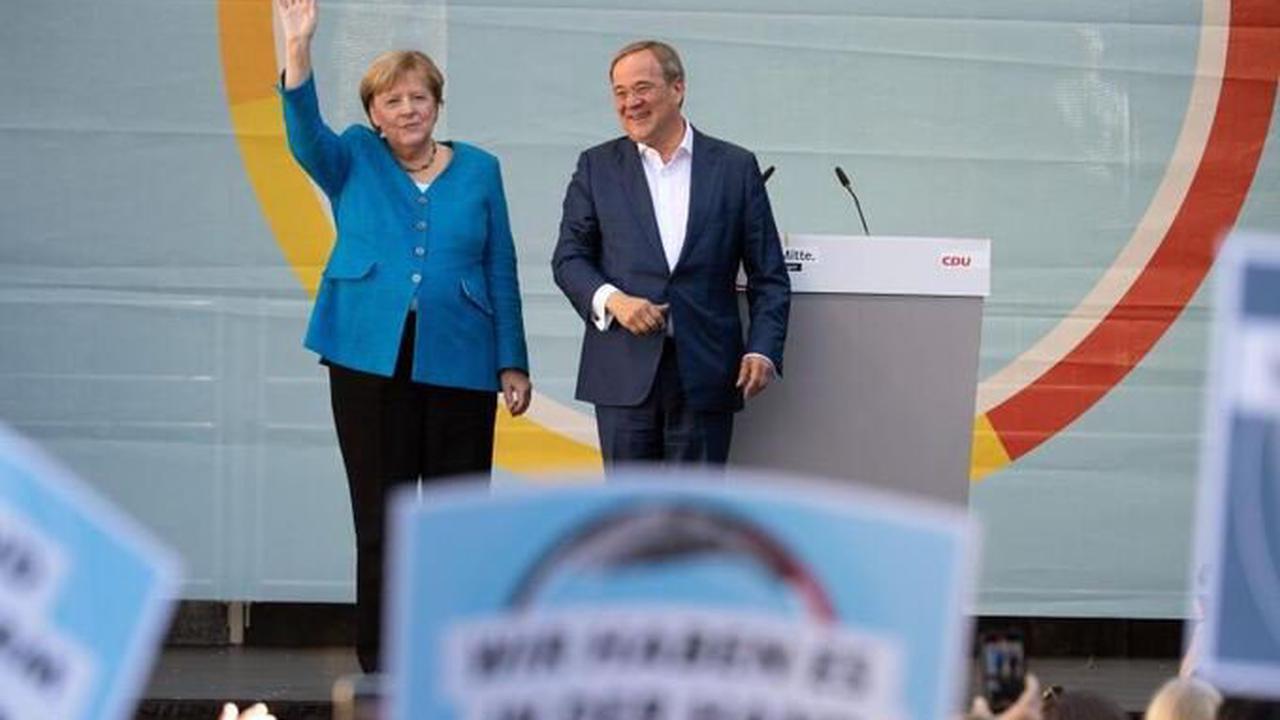 Schlussspurt im Wahlkampf:Merkel wirbt nochmal für Laschet