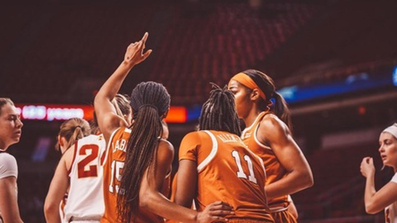 Women's Basketball knocks off No. 24 Iowa State, 70-59