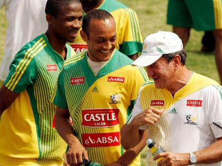 Former Bafana defender Nasief Morris has been appointed as the new head coach of Steenberg United!
