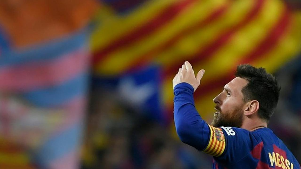 Lionel Messi's Barcelona contract renewal was holding up other deals, announcement imminent