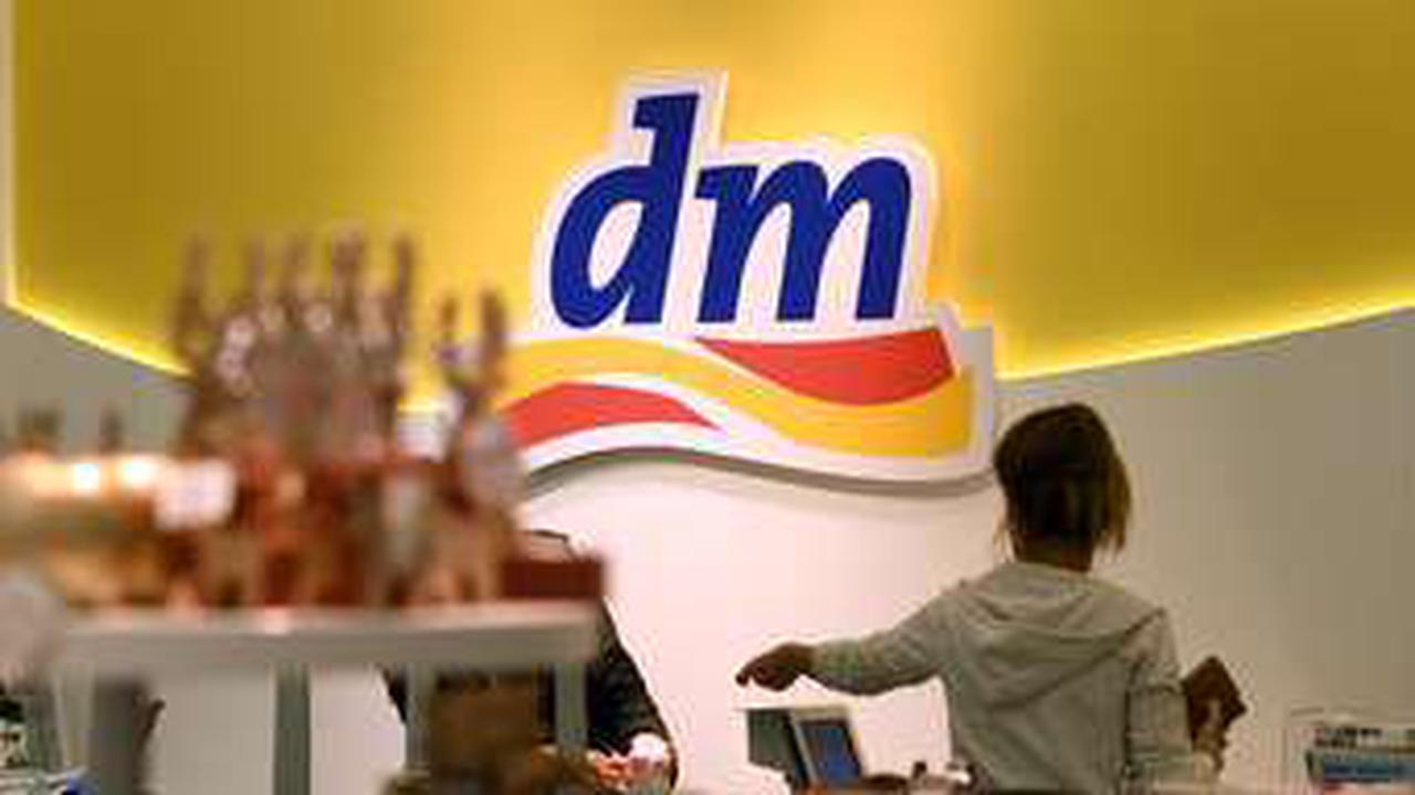 DM-Kunden aufgepasst: Drogerie führt jetzt Änderung an der Kasse ein