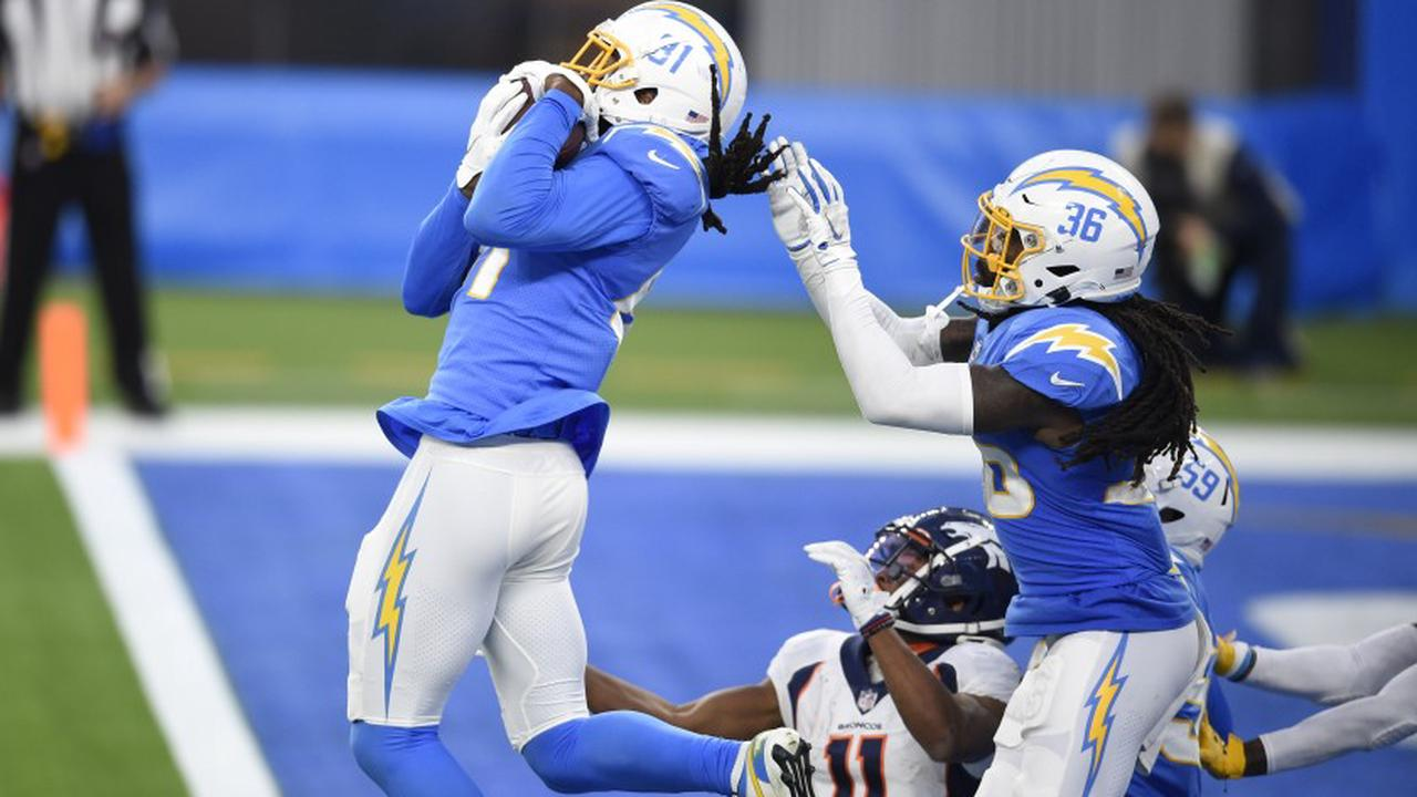 Mike Williams intercepts Keenan Allen's job as Chargers defender against Hail Mary pass