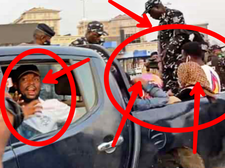 [PHOTOS] See What Policemen Allegedly Did To Protesters At Lekki Tollgate Today