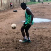 See Oshoala, Kelechi Nwakali And Chukwueze Training At Different Local Pitches With Young Footballers