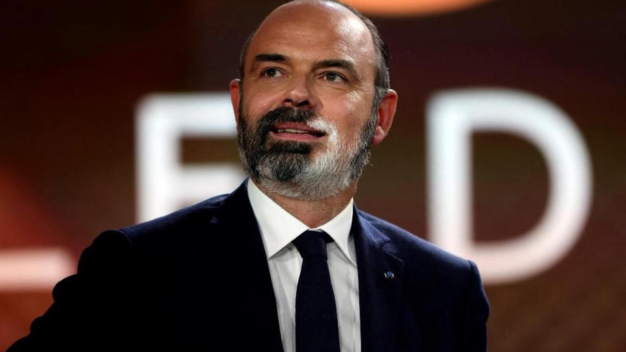 Emmanuel Macron va décorer Édouard Philippe de la Légion d'honneur mardi