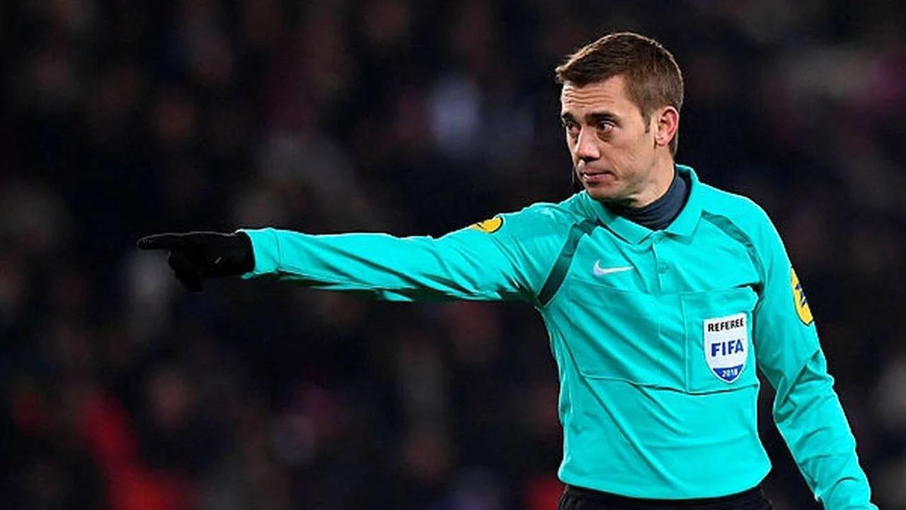 Ligue Europa. Clément Turpin sera au sifflet de la finale entre Manchester United et Villarreal