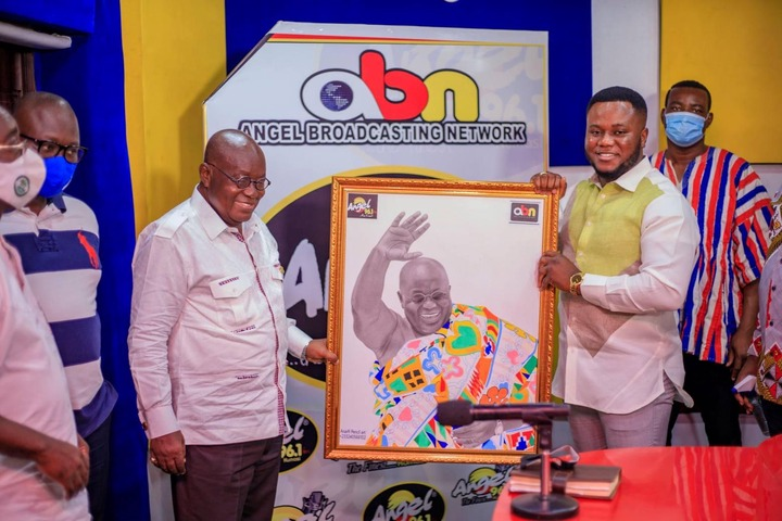 """8092c244d72e3f5cfb1c979e52b797a7?quality=uhq&resize=720 - """"Sign Of Victory"""": Mammoth Crowd Storm Angel FM Premises With A Gift To Akufo-Addo (Photos)"""