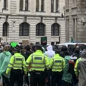 Instead of shooting protesters in London, checkout how the Police are protecting Nigerian Protesters