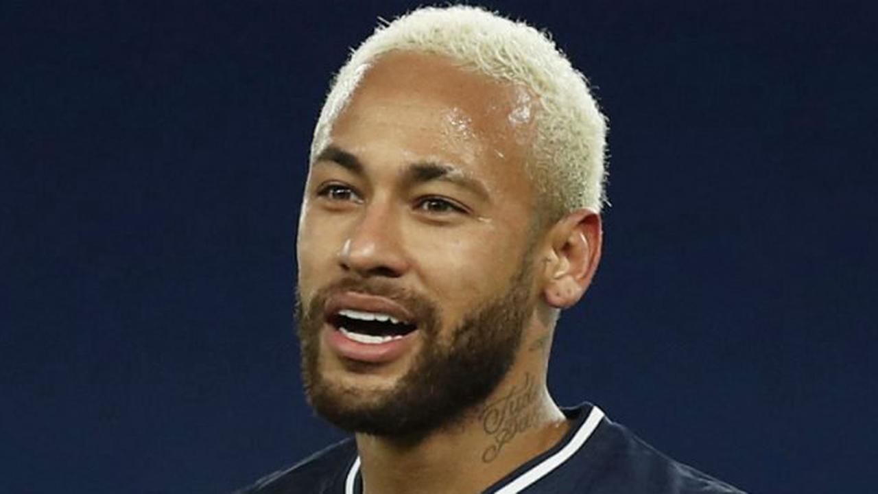 Riolo se paie le bide de Neymar