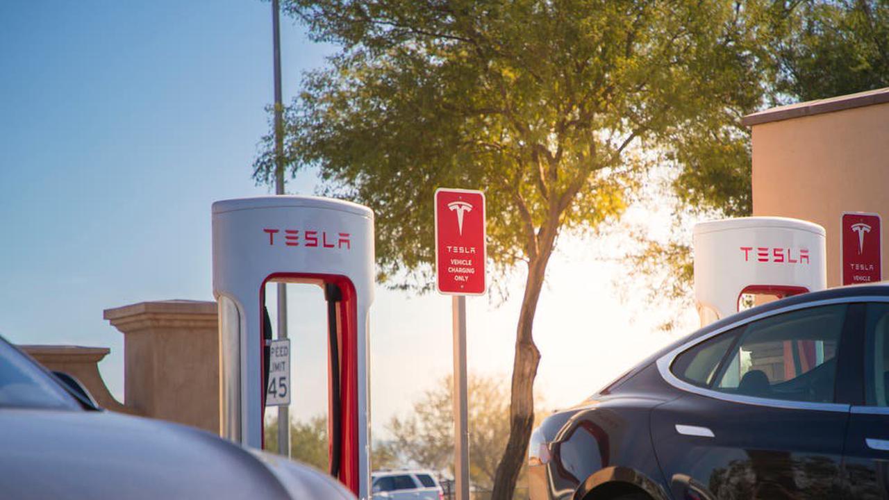 Tesla to be probed by Senate over fatal 'autopilot' crash