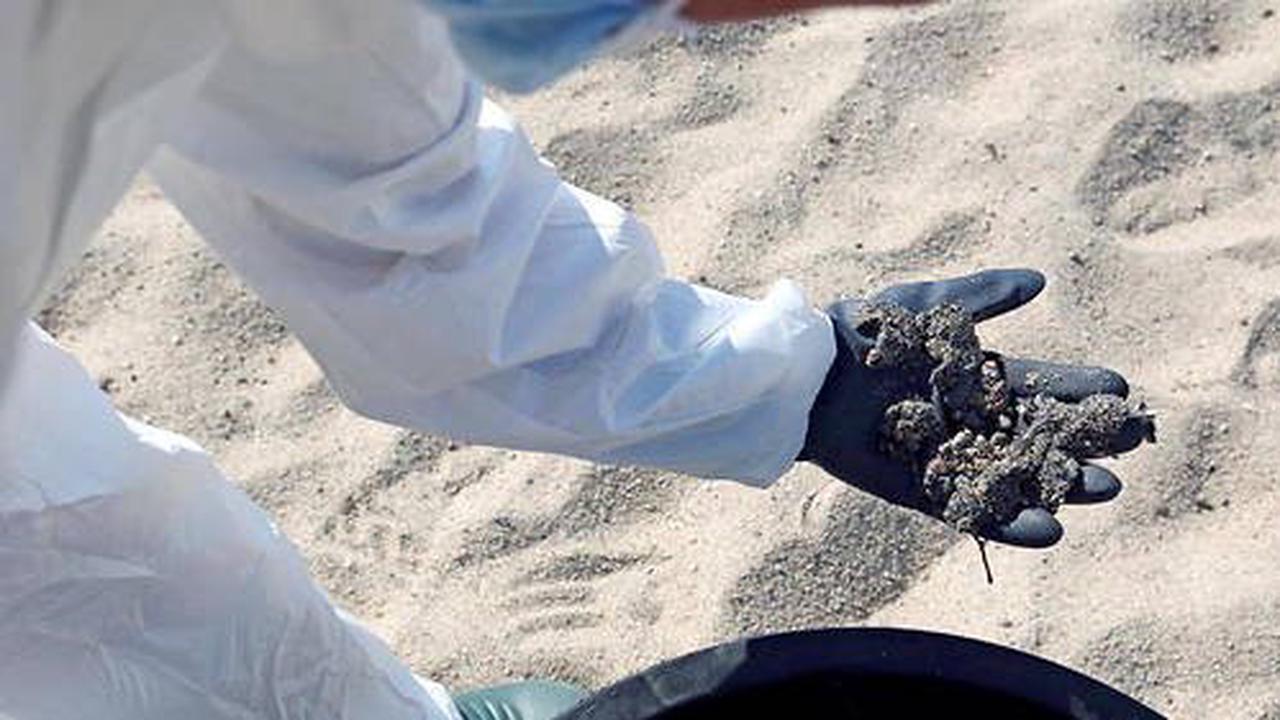 Corse: une plage polluée a été évacuée
