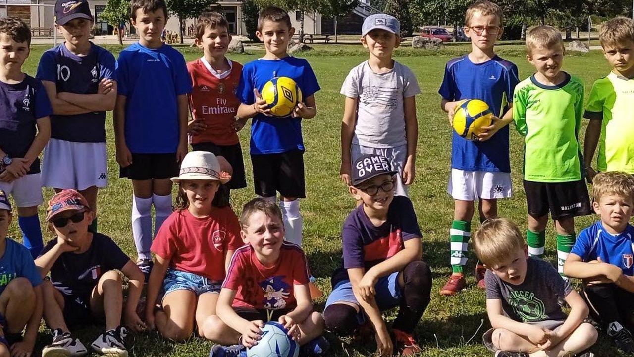 Reprise des entraînements des jeunes footballeurs au stade de Lautat