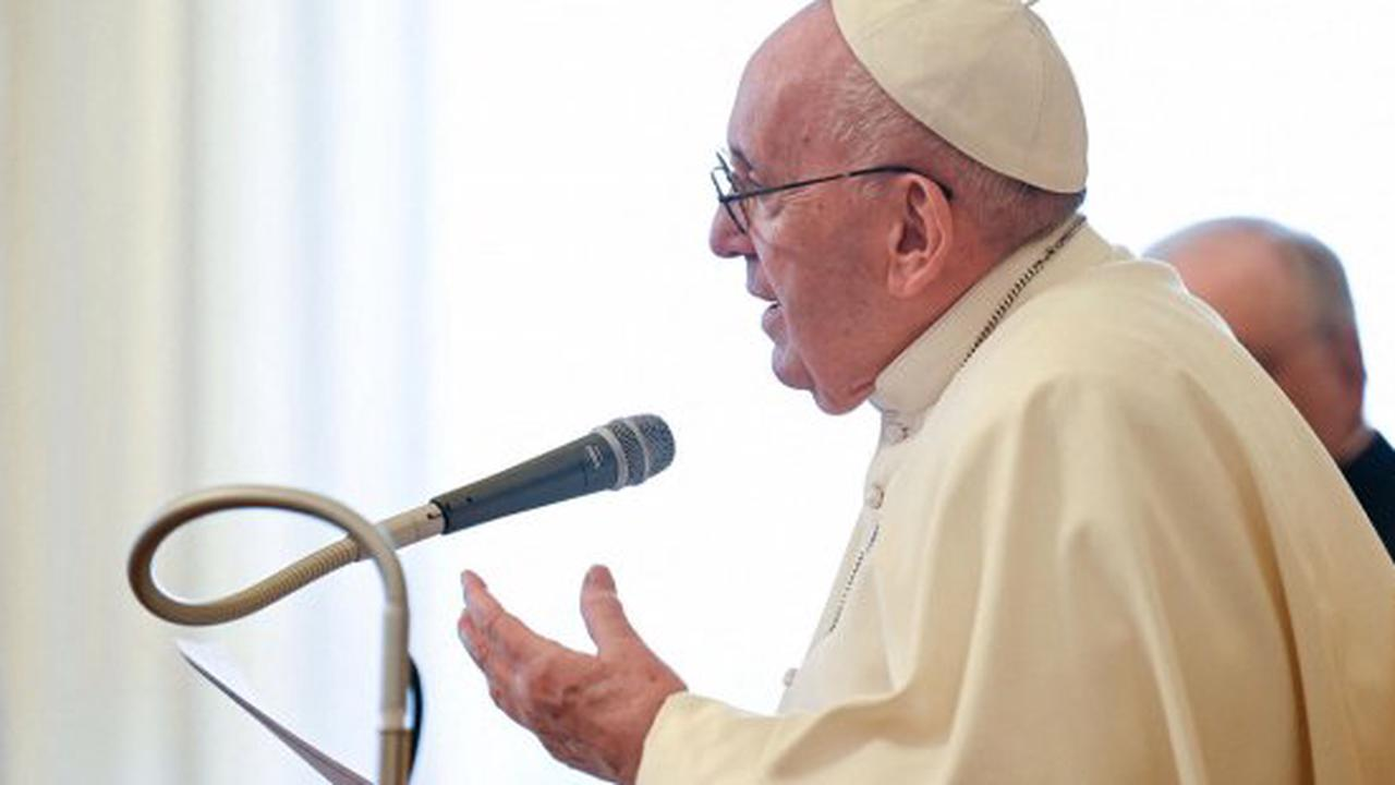 Pope calls for more attention to fibromyalgia