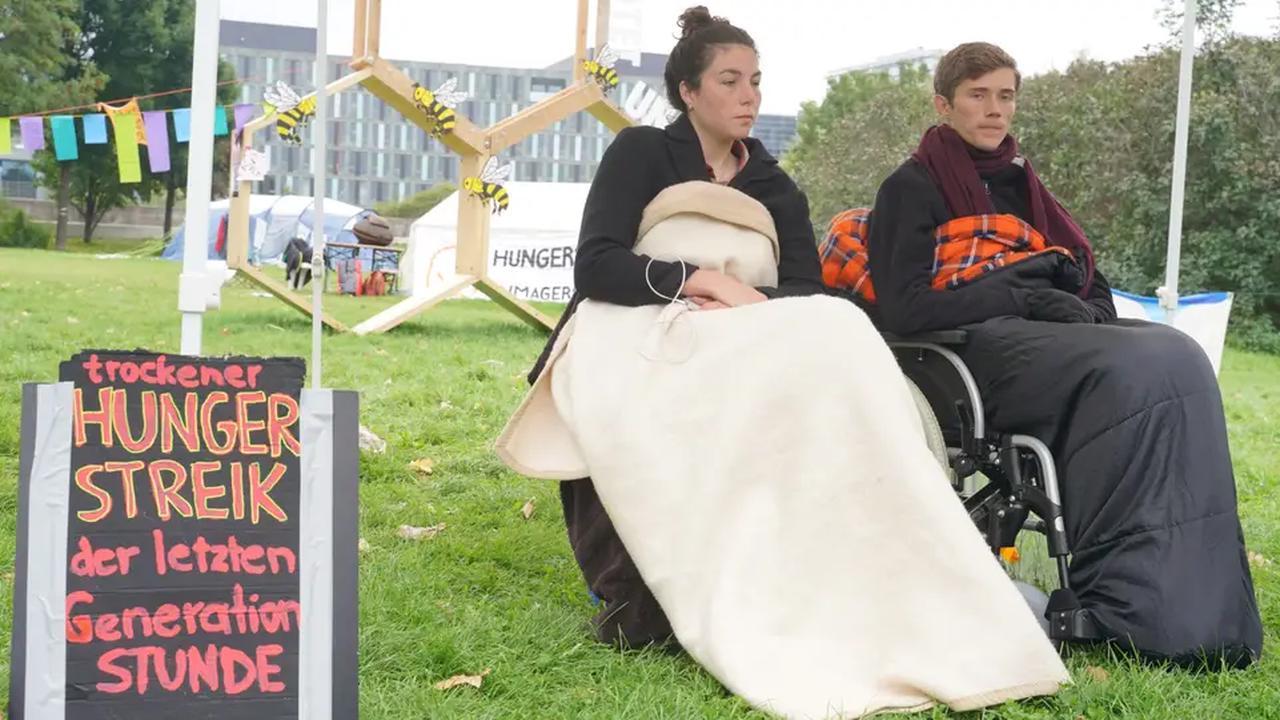 Hungerstreik: Klimaaktivisten trinken auch nicht mehr