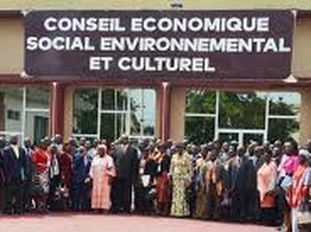 Aka Aouélé prend les rênes du Conseil économique