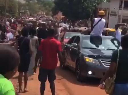 Suspected 'Yahoo Boys' Spray Loads of Cash After Writing their Final Year Exam in Enugu.