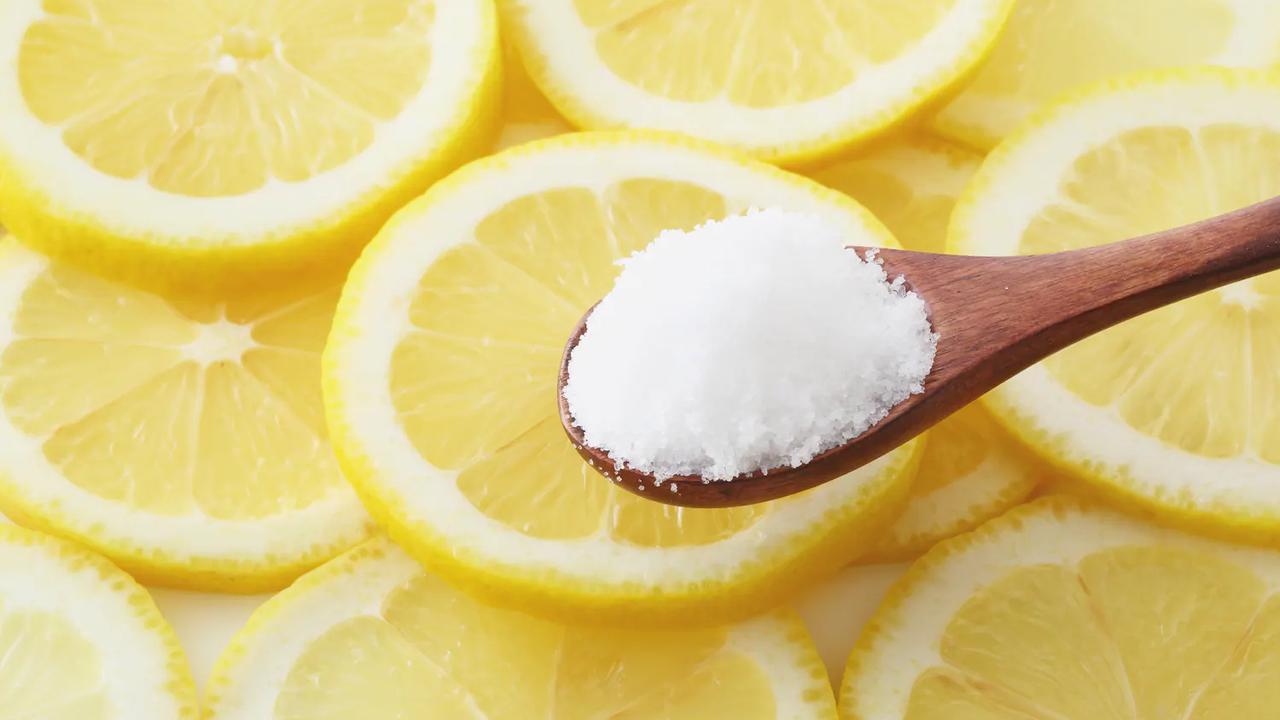 Mit Zitrone den Grill putzen