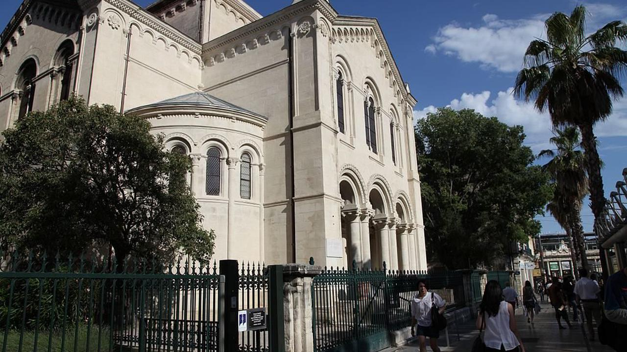 France : L'Eglise protestante unie a béni le mariage de deux pasteures lesbiennes