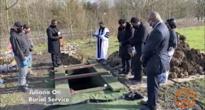 855af4a060324fa78bcf61001775b05b?quality=uhq&resize=720 - Tears Flow From The London Cemetary Where Becca's Mother, Juliana Oti Was Buried - Sad Scenes