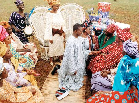 5 types of Yoruba family you should get married into