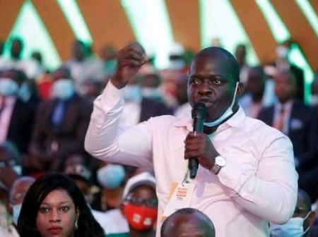 Conseil politique du RHDP, Yao Arnaud charge certains cadres du parti devant le président Ouattara