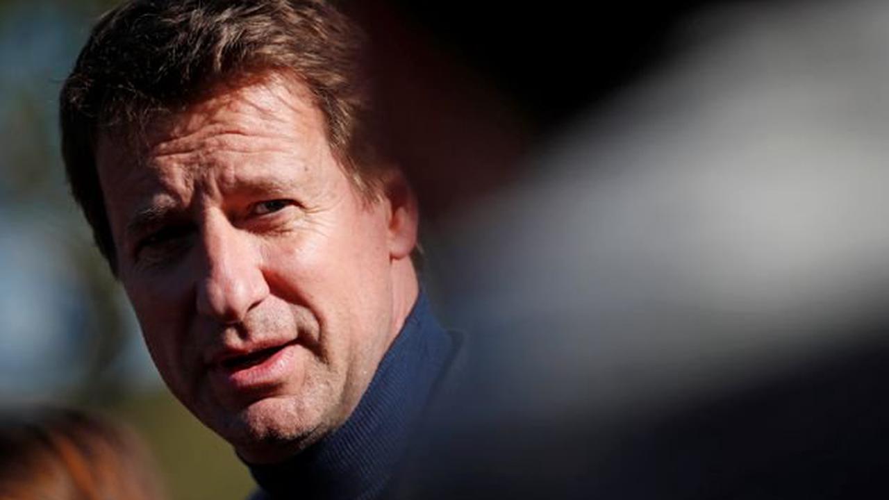 """Tour de France: Jadot (EELV) fustige le """"mépris de classe"""" de certains élus écolos"""