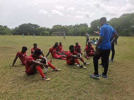 Hearts of Oak beats their Junior team Auroras by 3 goals to 1 in a friendly game.