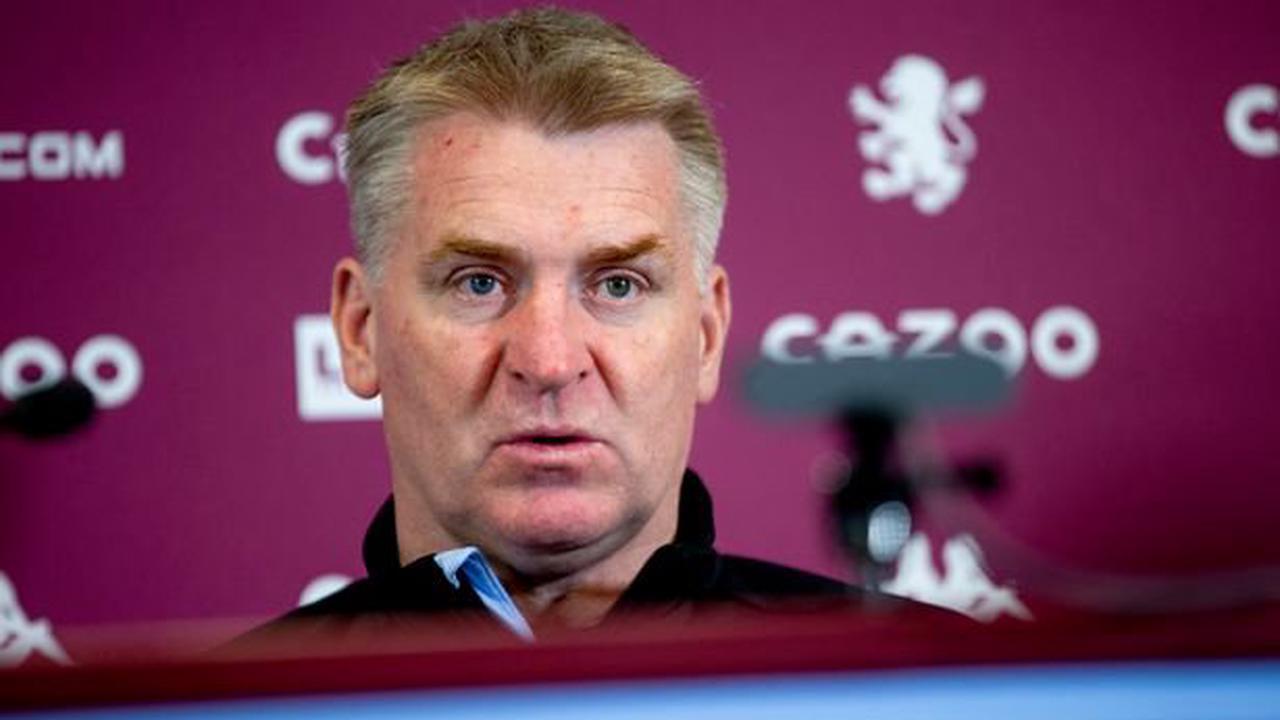 """Aston Villa boss Dean Smith blasts """"pathetic"""" Man Utd penalty decision"""