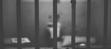 Yvelines : incarcéré pour violences conjugales, un détenu retrouvé mort asphyxié