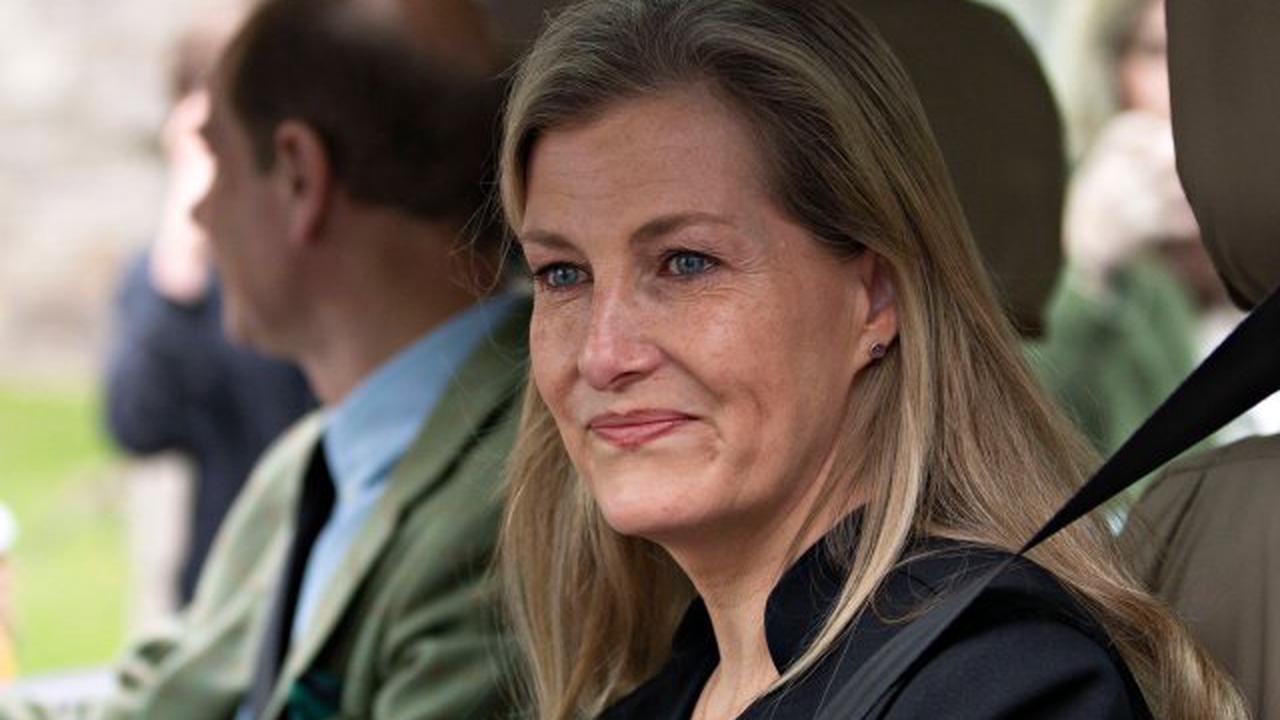 Royals: Tränenausbruch vor laufender Kamera – bei DIESEM Bild verliert Sophie von Wessex die Beherrschung