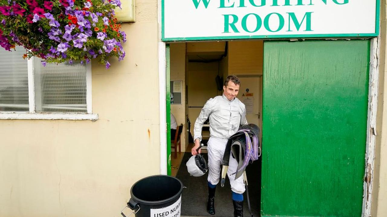 Jockey William Buick cut for title after Yarmouth treble on Thursday